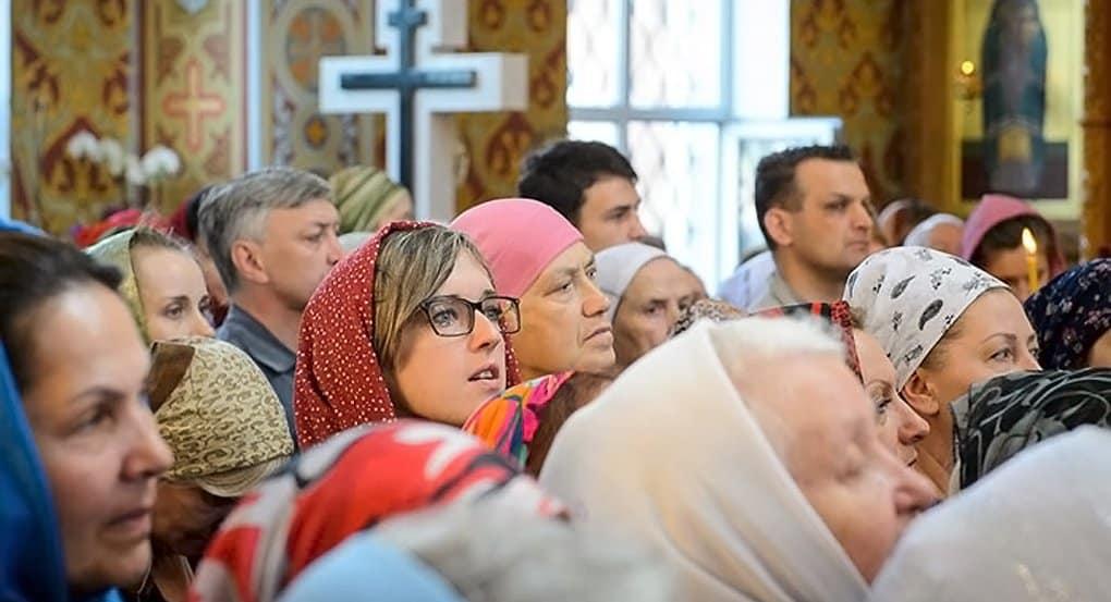 Участие в богослужениях продлевает женщинам жизнь, предполагают ученые