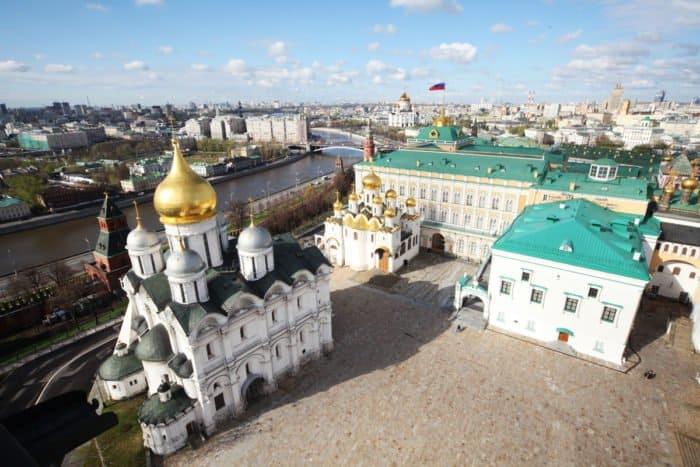 Соборная площадь Московского Кремля. Фото Владимира Ештокина
