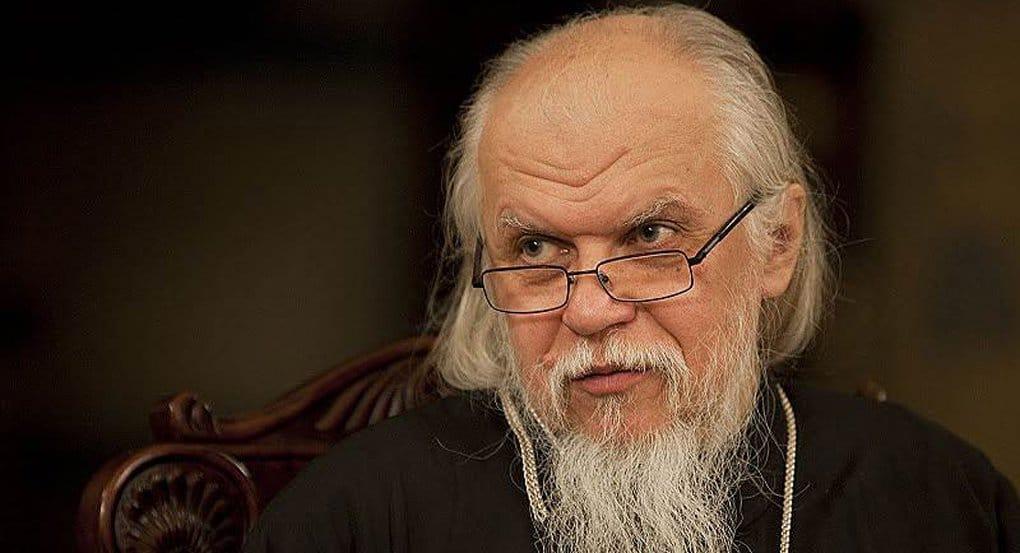 За пастырским служением священник не должен забывать о своей семье, - епископ Пантелеимон