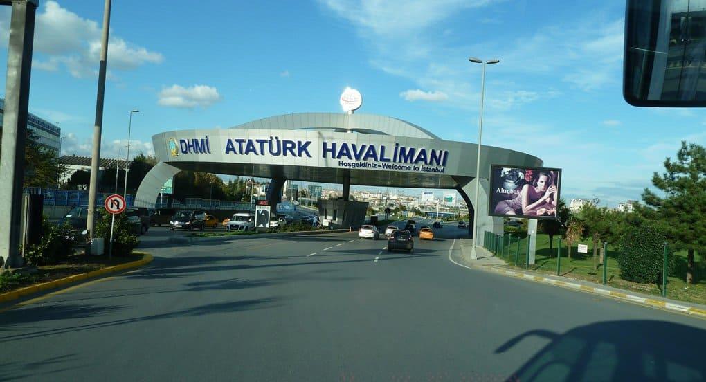 Теракт в аэропорту Стамбула унес жизни 36 человек