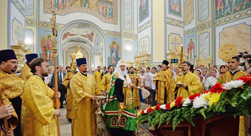 В Орле патриарх Кирилл освятил самый большой городской храм