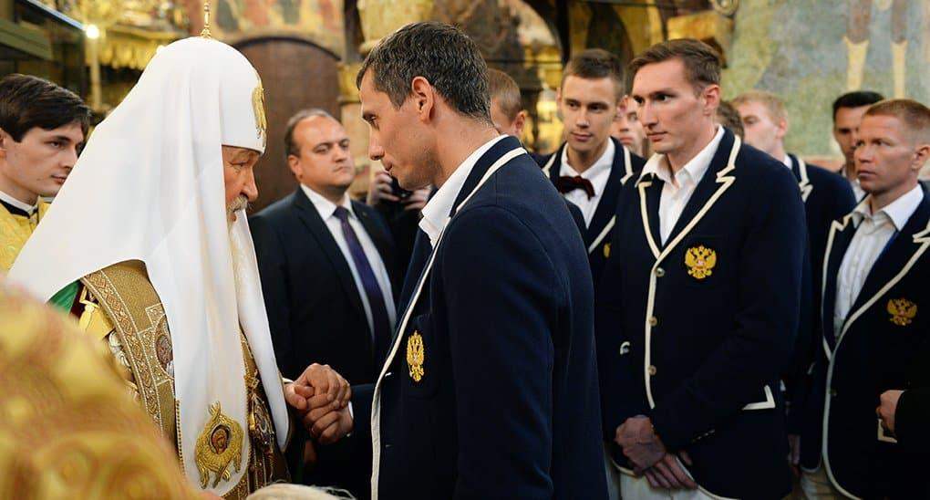 Патриарх пожелал олимпийцам «выигрывать с высоко поднятой головой»