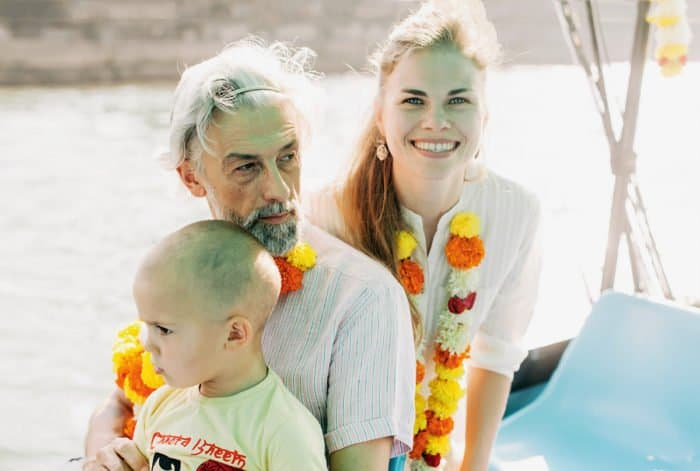 Эдуард Бояков с женой Людмилой исыном Захаром. Фото из семейного архива