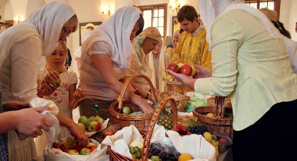 На Преображение Господне у храма Христа Спасителя освятят яблоки
