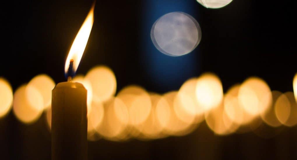 Можно ли поставить свечу и молиться за некрещеную усопшую?