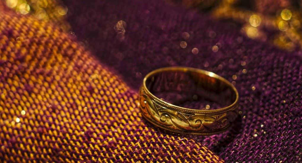 Куда деть обручальное кольцо после развода?