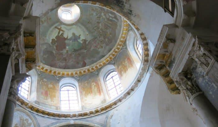 В XIX веке Воскресенский собор расписывал известный русский художник, академик живописи Платон Тюрин. Частично росписи сохранились