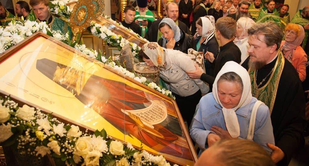 Более 20 тысяч верующих поклонились мощам Силуана Афонского в Тамбове