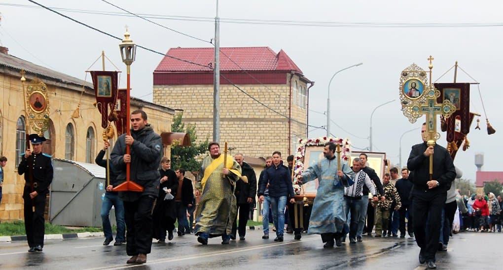 Впервые за 100 лет в Дербенте прошел крестный ход