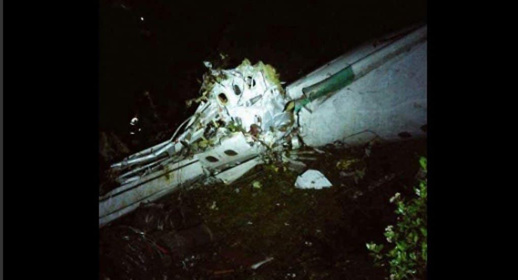 В Колумбии разбился самолет с футбольной командой на борту