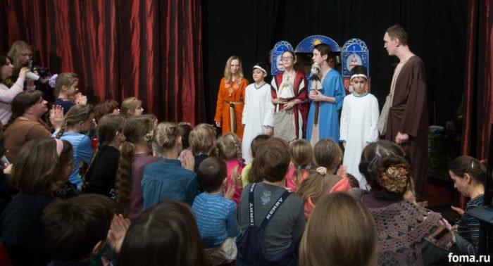 Грех ли играть в детском театре Христа и Богородицу?