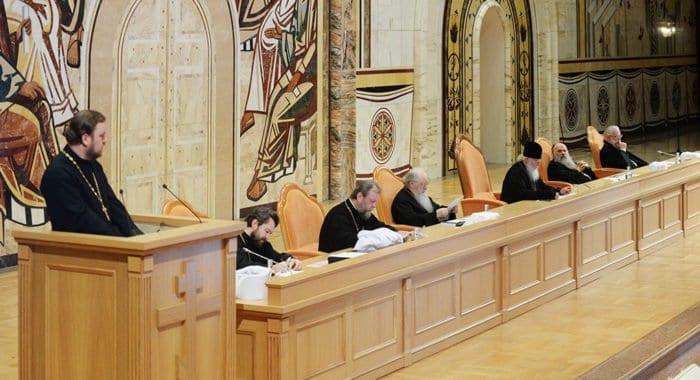Межсоборное присутствие одобрило проекты документов о монастырях и церковном браке