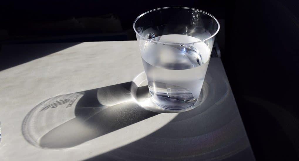 Можно крещенской водой запивать таблетки днем?