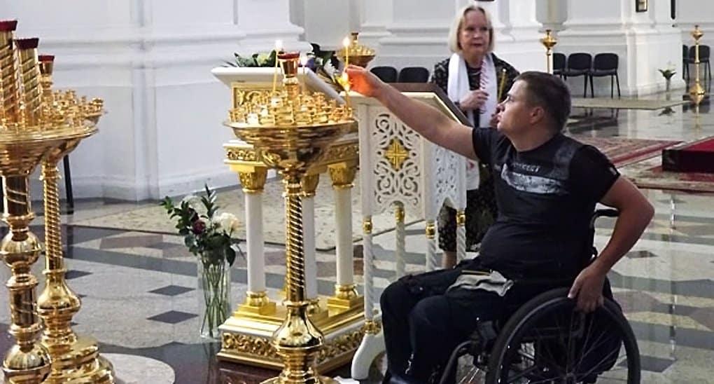 Около 100 инвалидов впервые посетят молебен в Богоявленском соборе