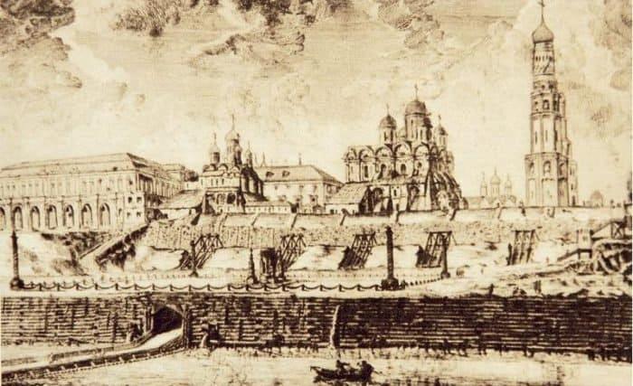 Почему Московский Кремль мог быть разрушен?