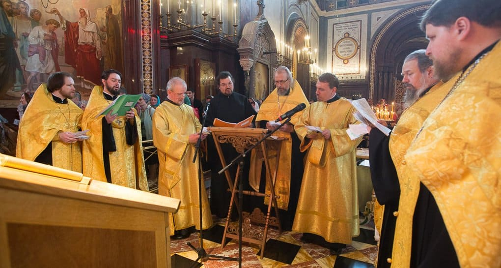 Открыта запись на пение молебнов у мощей Николая Чудотворца в Москве