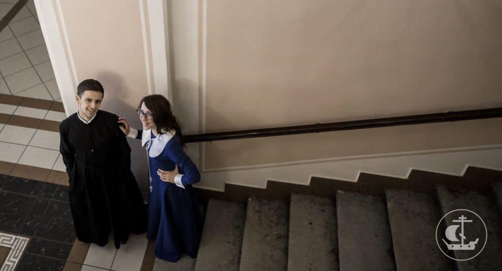 Как завоевать девушку по-христиански?