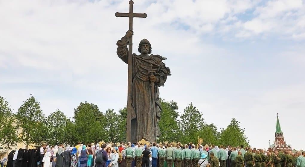 До Крещения славяне были между добром и злом, и князь Владимир выбрал добро, - Синод