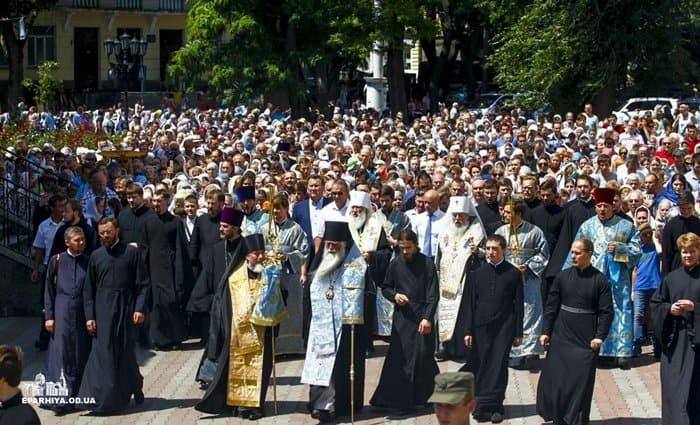Тысячи верующих прошли с Касперовской иконой по Одессе