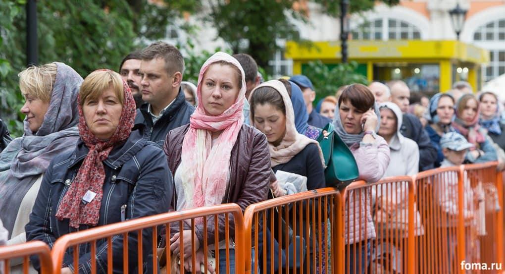 Свыше 2 миллионов верующих поклонились мощам Николая Чудотворца