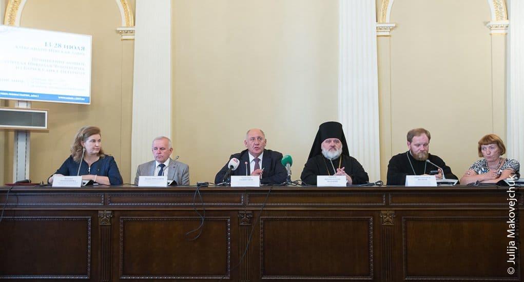 Мощам Николая Чудотворца в России поклонилось более 2,3 миллиона человек