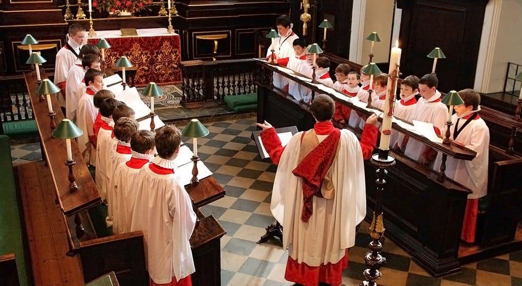 Сайт о хоровой музыке вызвал бум посещений богослужений в Британии