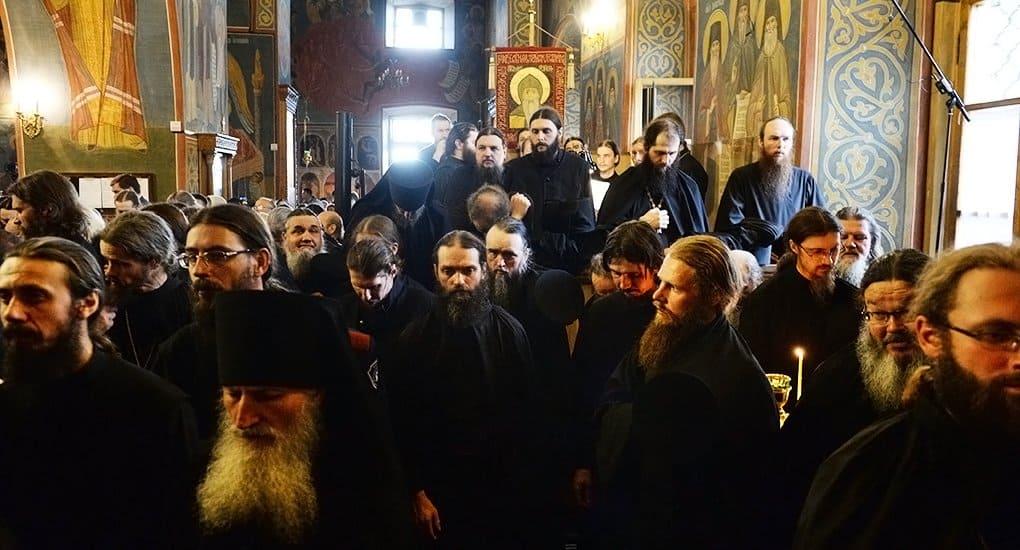 Патриарх Кирилл напомнил монахам, что они должны быть примером для верующих