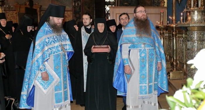 Троице-Сергиевой лавре передали частицу мощей святого Иустина (Поповича)