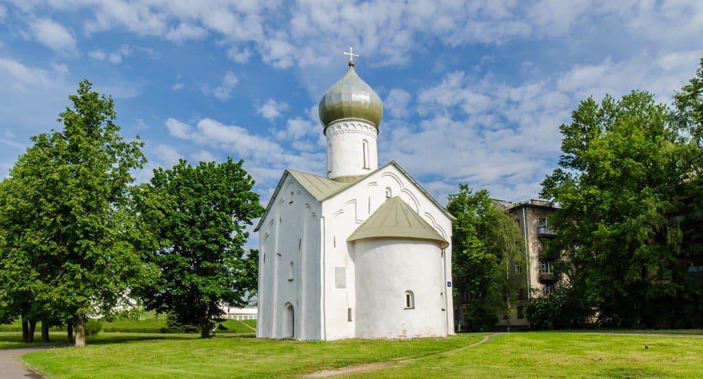 Новгородский храм Двенадцати апостолов передали Церкви