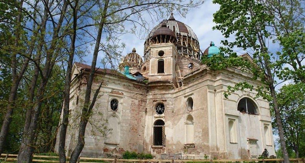 Началась реставрация уникального псковского храма XVIII века