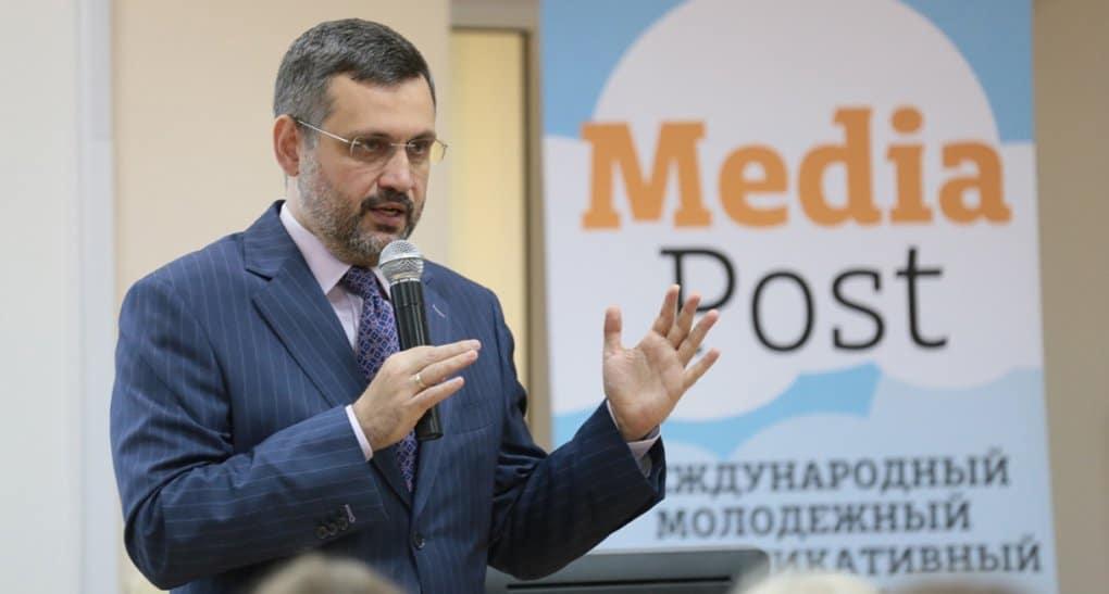 Сегодня факты вынужден проверять не журналист, а читатель, - Владимир Легойда