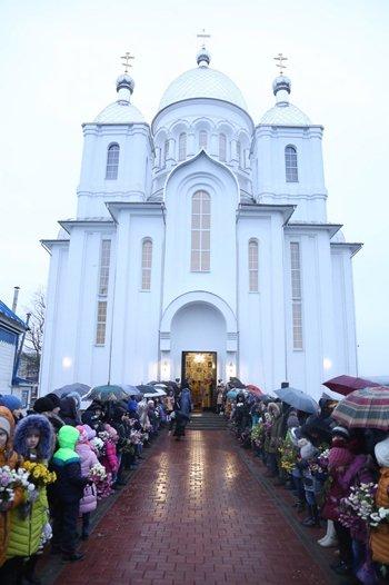 Храм в честь новомучеников Церкви Русской освятили в белорусском Дятлово