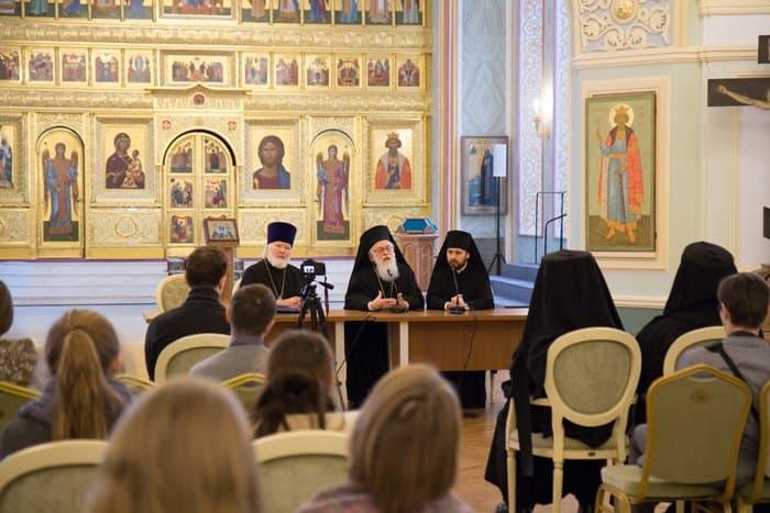 Единственный институт, приносящий любовь - это Церковь, - архиепископ Албанский Анастасий