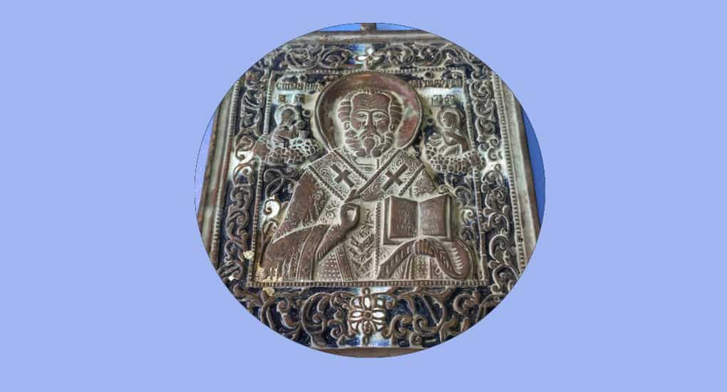 Можно ли молиться перед литой иконой?