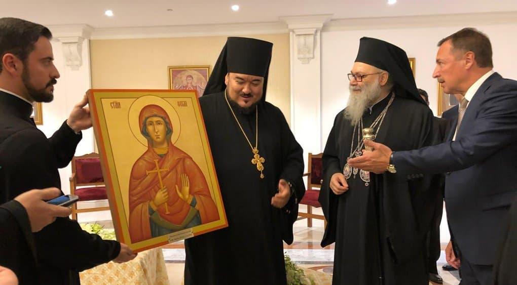 Православные ОАЭ подарили сирийскому монастырю в Маалюле икону