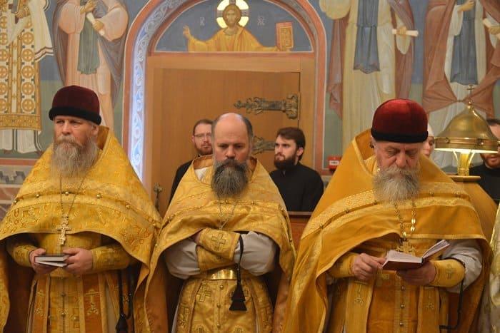 В храме Черниговского подворья впервые совершили Литургию по старому обряду