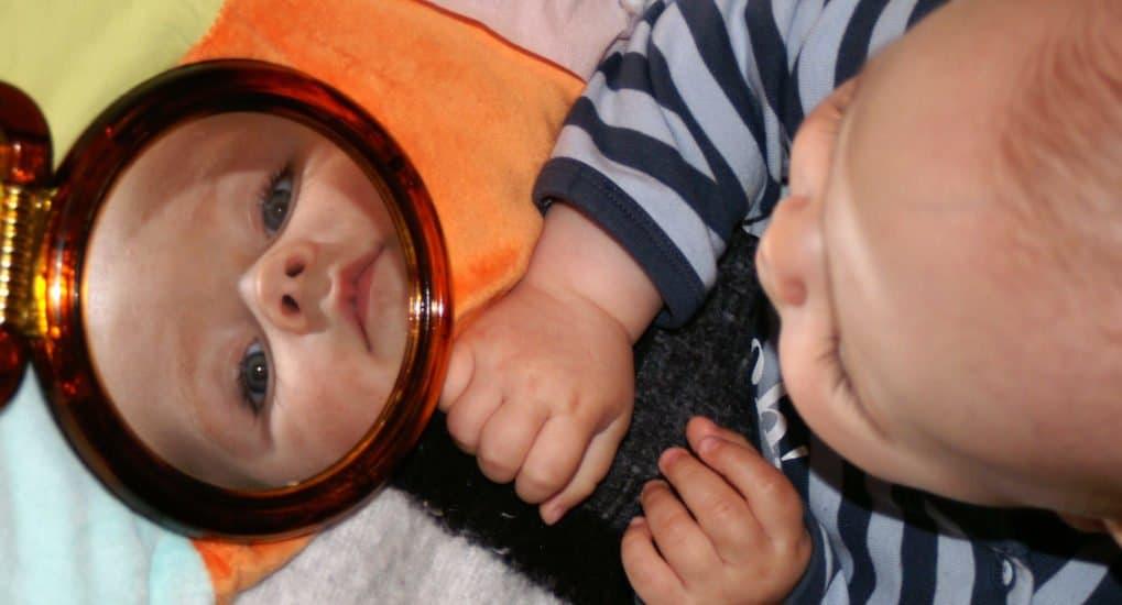 Можно ли ребенка покрестить одним именем, а называть другим?