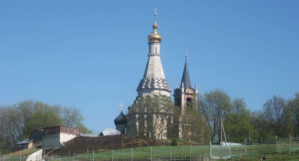 Уникальный шатровый храм в Подмосковье вернули Русской Церкви