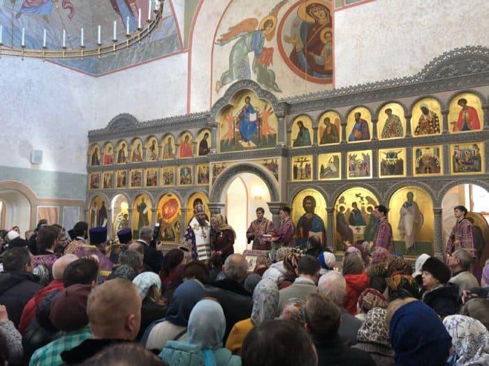 Создателей храма в Троицке наградили патриаршими медалями