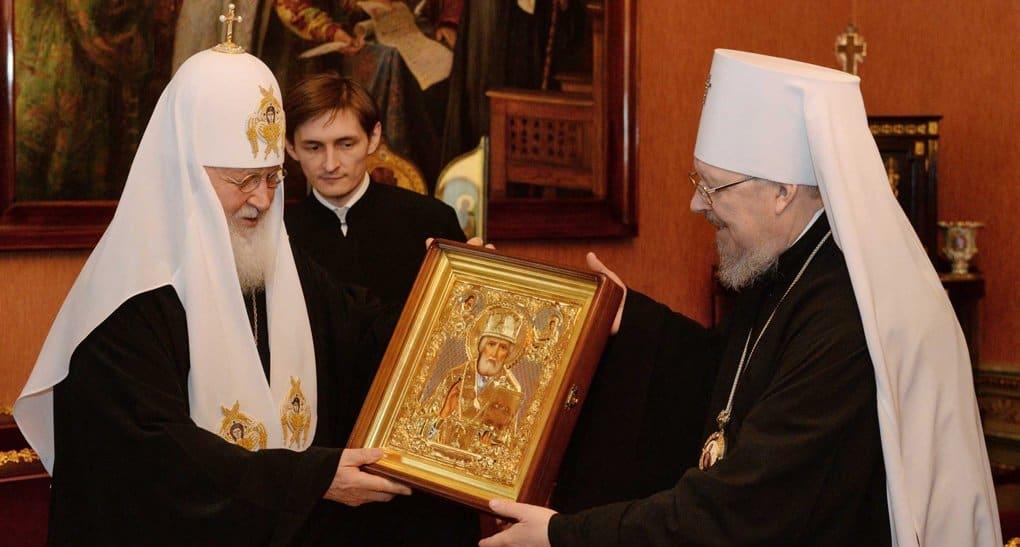 Патриарх подарил икону восстанавливаемому храму в красноярском селе