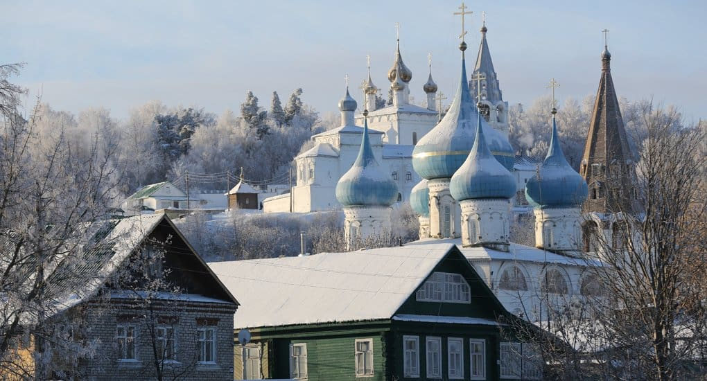 Владимир Мединский призвал путешествовать по России и не менять ее на пески