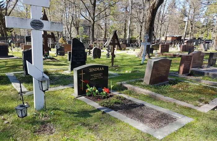 Православные Хельсинки ухаживают за могилами русских, финнов и шведов