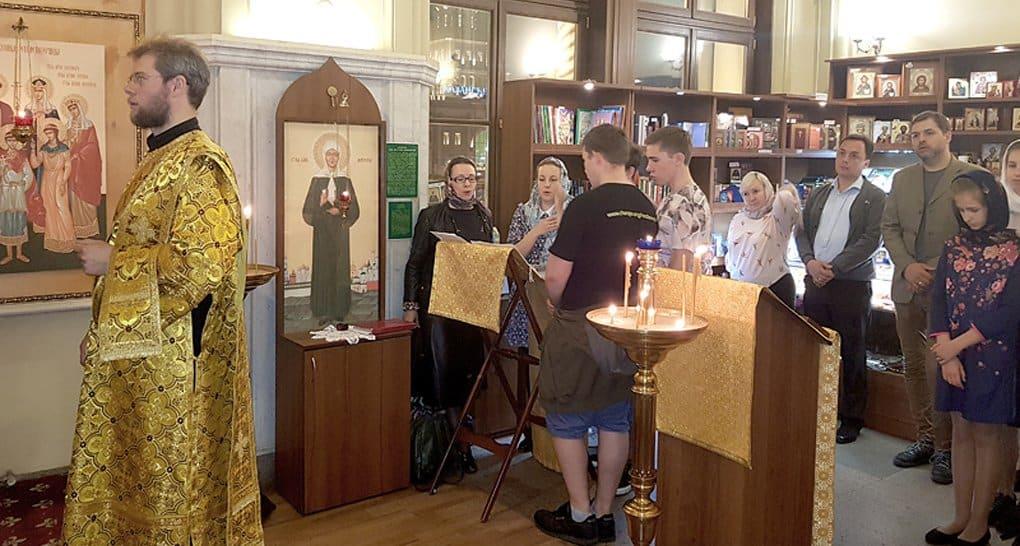 На Ленинградском вокзале освятили храм-часовню