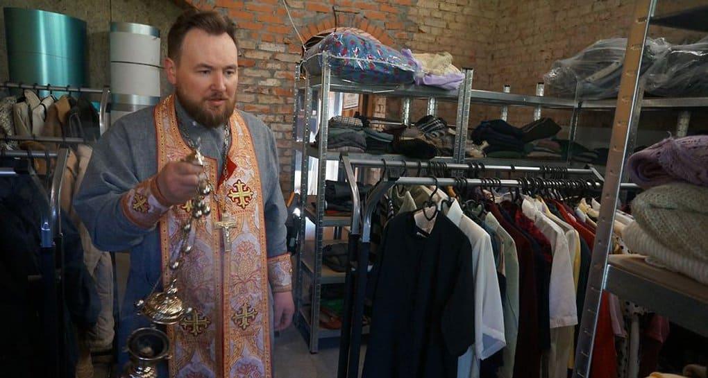 Склад гумпомощи для мам открыла Церковь в Калининградской области