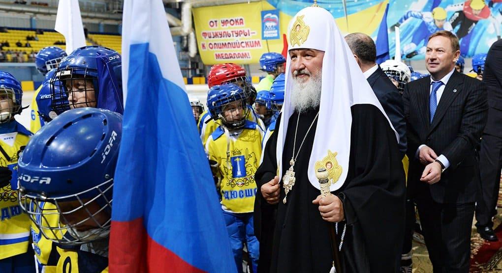 Патриарх Кирилл ежедневно занимается спортом и советует делать это всему духовенству
