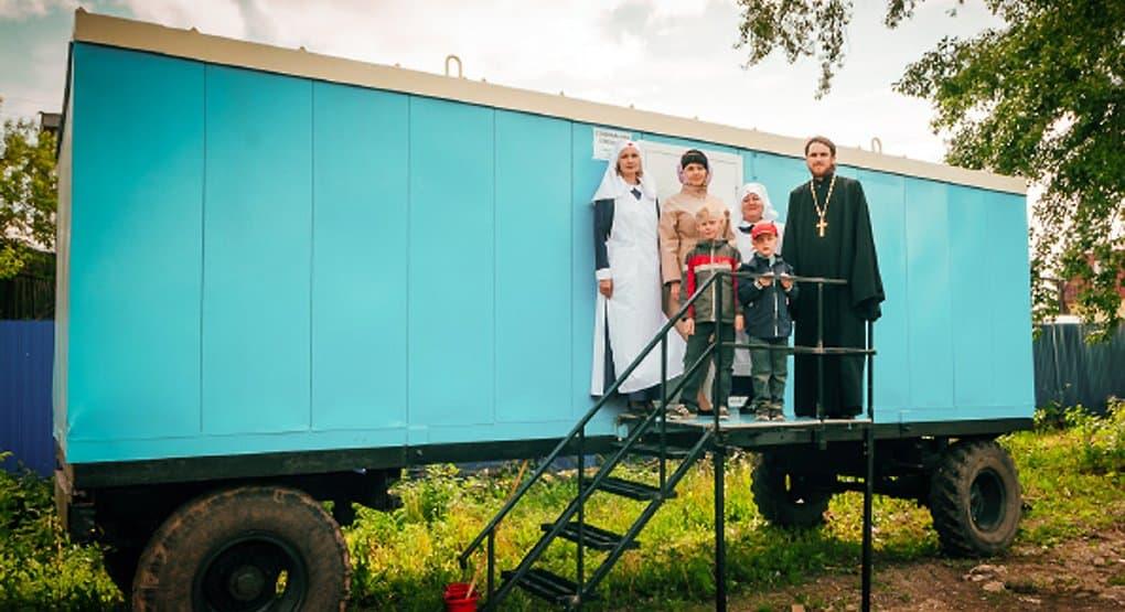 В Бугульме бездомных стали кормить в передвижной церковной столовой
