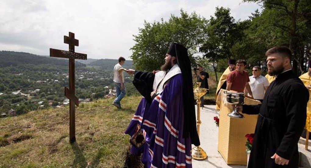 На высоте 1000 метров над уровнем моря заложили храм в честь князя Владимира