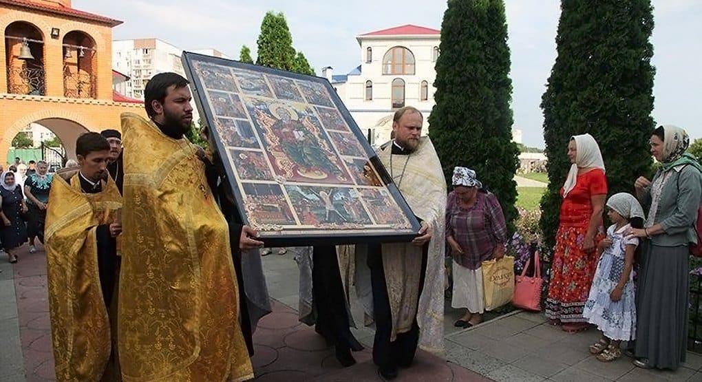 Икону Андрея Первозванного доставили из Запорожья в Киев путем апостола – по Днепру
