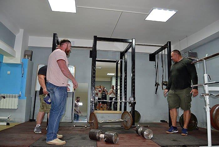 «Самый сильный человек России» рассказал наркозависимым, как избавиться от страсти