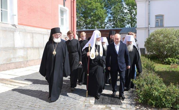 Владимир Путин помолился в Валаамской обители в день памяти ее основателей